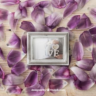 Fotorahmen auf Blütenblättern
