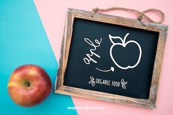 Gesundheit Mockup mit Schiefer und Apfel