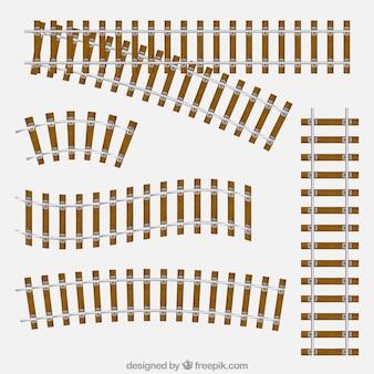 Assortiment de pistes de train avec des planches