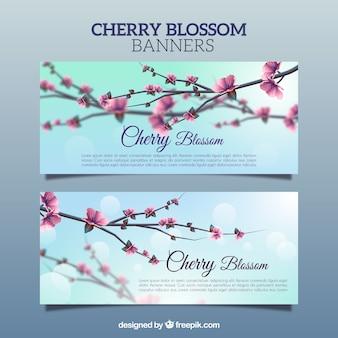 Bannières brouillées de fleurs de cerisier