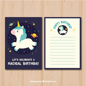 Carte d'anniversaire avec licorne dans l'espace