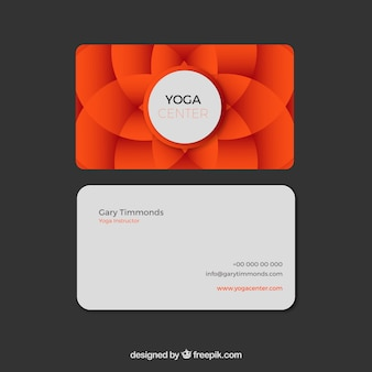 Carte de yoga floral élégante