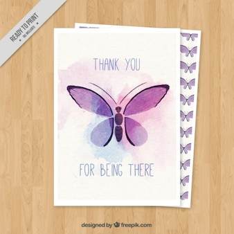 Carte mignonne avec un papillon d'aquarelle