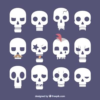 Collection de crânes plats avec des expressions drôles