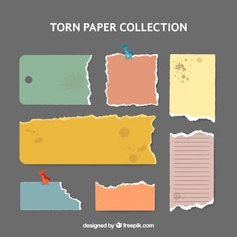 Collection de papiers déchirés avec des taches