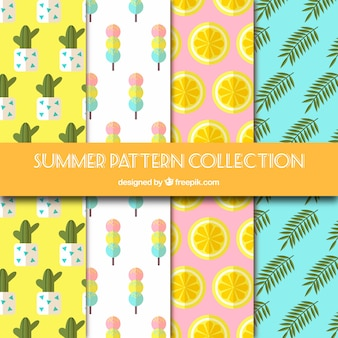 Collection de quatre motifs plats pour l'été