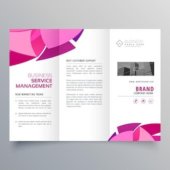 Conception de brochure en modèle créatif à trois volets