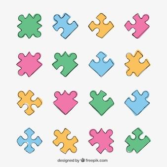 Des pièces de puzzle colorés
