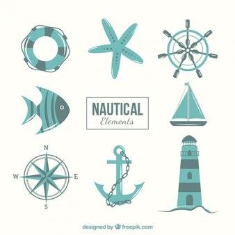 éléments nautiques dans les tons bleus
