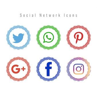 Ensemble d'icônes de réseau social de style Mandala