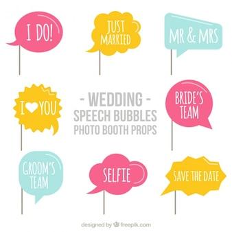 Ensemble de ballons de dialogue avec des messages de mariage pour photomaton