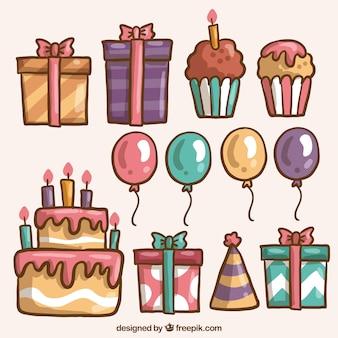 Ensemble de bonbons avec des cadeaux et des ballons d'anniversaire