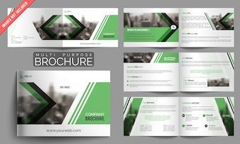 Ensemble de brochures d'affaires avec des éléments verts