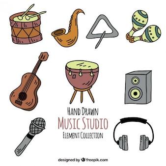 Ensemble de matériel de studio de musique dessinés à la main
