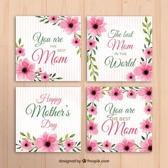 Ensemble de quatre cartes de voeux pour les fêtes des mères avec des fleurs roses