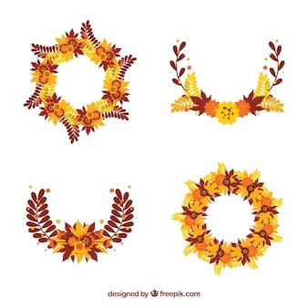 Ensemble de quatre ornements floraux d'automne