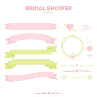 Ensemble de rubans et de décoration de mariage dans des tons pastel