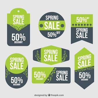 étiquettes de vente de printemps vert avec des feuilles
