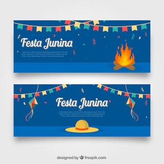 Festa junina bannières avec feux de joie et chapeau