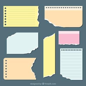 Feuilles de papier Ripped avec différentes formes et couleurs