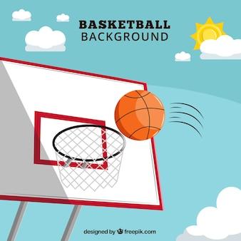 Fond de ciel avec un panier de basket-ball