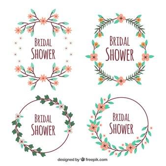 Le paquet plat de quatre douche nuptiale cadres avec des fleurs mignonnes
