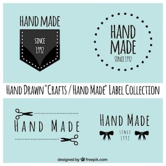 Les étiquettes à propos de l'artisanat sur un fond bleu