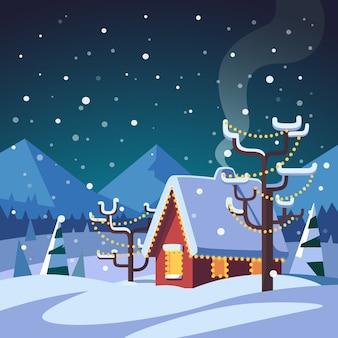 Maison de campagne décorée de Noël dans les montagnes