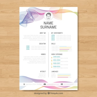 Modèle de curriculum abstrait avec des vagues colorées