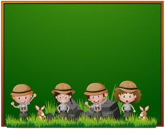 Modèle de tableau avec des enfants en tenue de safari