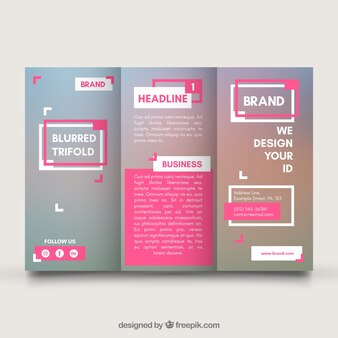Modèle trifold d'affaires avec des éléments roses