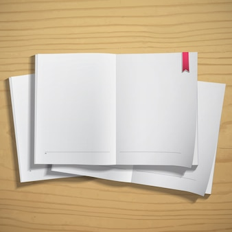 Papier blanc sur fond de bois