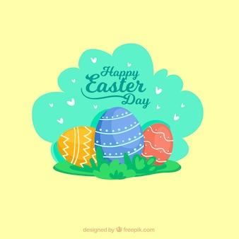 Pâques fond avec des oeufs décoratifs et des coeurs