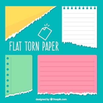 Paquet de quatre papiers déchirés en design plat