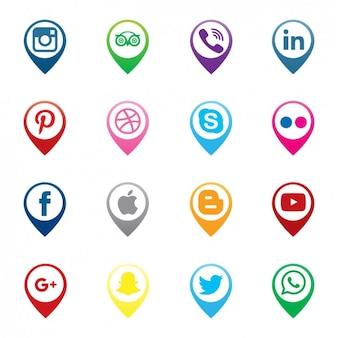 Pins carte et d'icônes de médias sociaux