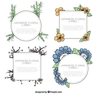 Quatre cadres floraux dessinés