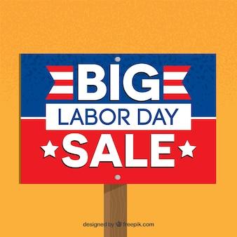 Signer le fond des grosses ventes du jour du travail