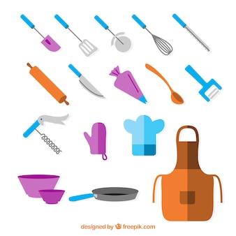 Tablier avec ustensiles de cuisine en conception plate