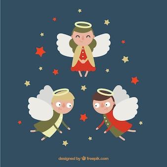 Trois anges amusants en design plat