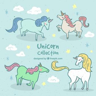 Adorables unicornios dibujados a mano