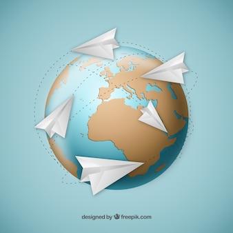 Aviones de papel alrededor de mapa del mundo
