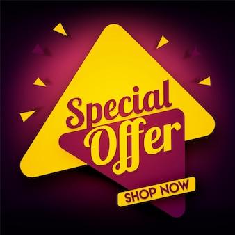Banner de la oferta especial con los triángulos.
