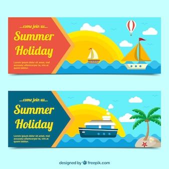 Banners de colores con variedad de transportes para el verano