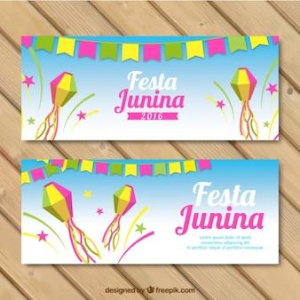 Banners de fiesta junina con decoración