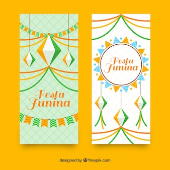 Banners de fiesta junina con decoraciones