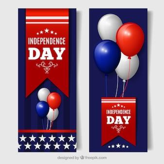 Banners del día de la independecia con globos de colores en diseño realista