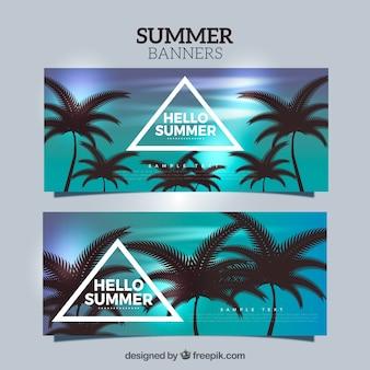 Banners realistas con palmeras oscuras