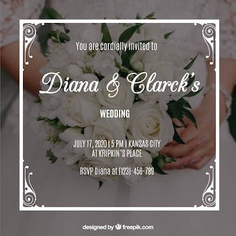 Bonita invitación de boda con un marco blanco