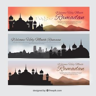 Bonitos banners de ramadan con siluetas