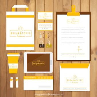 Cafetería identidad corporativa de color amarillo